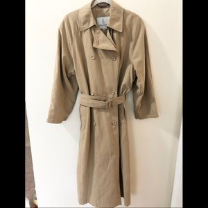 London Fog Trench Coat Size 8 Petite